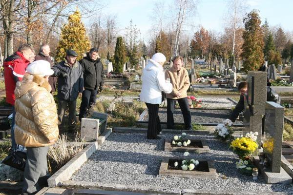 Afganistaniečiai lankė žuvusiųjų kapus