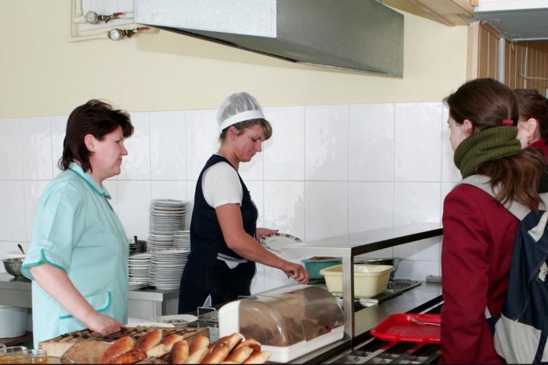 Nemokamą maitinimą Lietuvoje gaus apie 139 tūkst. mokinių