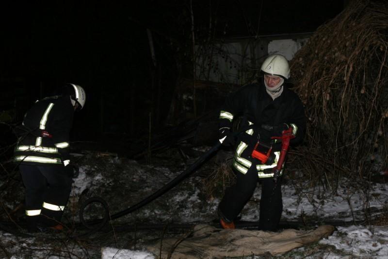 Vilniuje naktį kilo keturi gaisrai, žuvo du žmonės (papildyta)