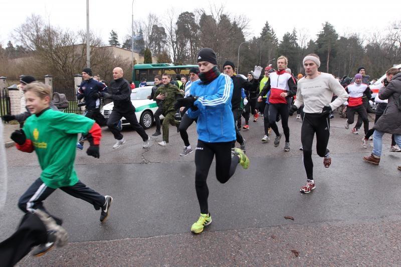 """""""Gyvybės ir mirties kelią"""" atkartojo tūkstančiai bėgikų"""