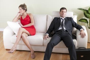 Moterys lenkia vyrus visur, išskyrus atlyginimų sritį