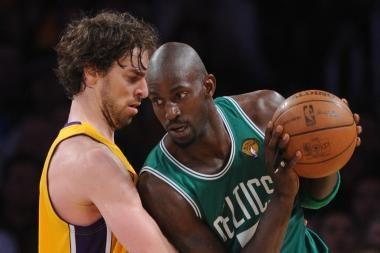 """""""Lakers"""" pergalė pirmosiose finalo serijos rungtynėse"""
