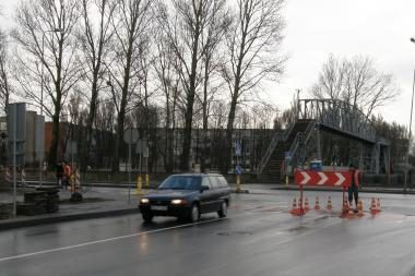 Prasidėjo naujo pėsčiųjų tilto statybos darbai