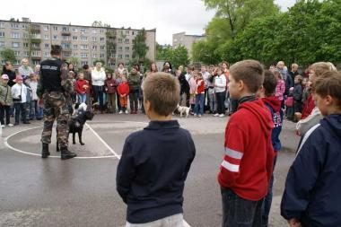 Pakrančių apsaugos pasieniečiai svečiavosi mokykloje