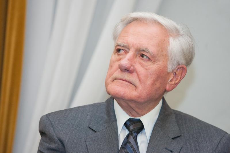 V.Adamkus: Ukrainos valdžios elgesys Europai negali būti priimtinas