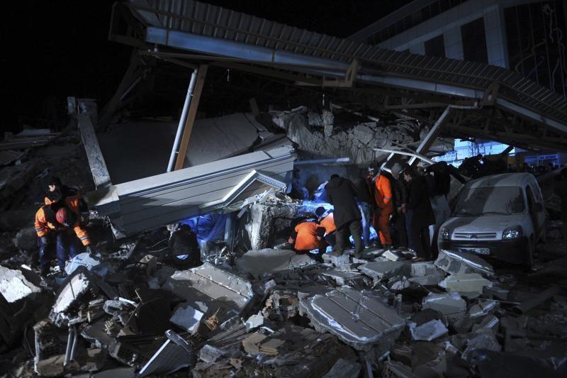 Per žemės drebėjimą Peru sužeista daugiau kaip 100 žmonių