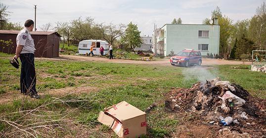 Per reidą Vilniuje savaitgalį nubausti trys žolės ir šakų degintojai