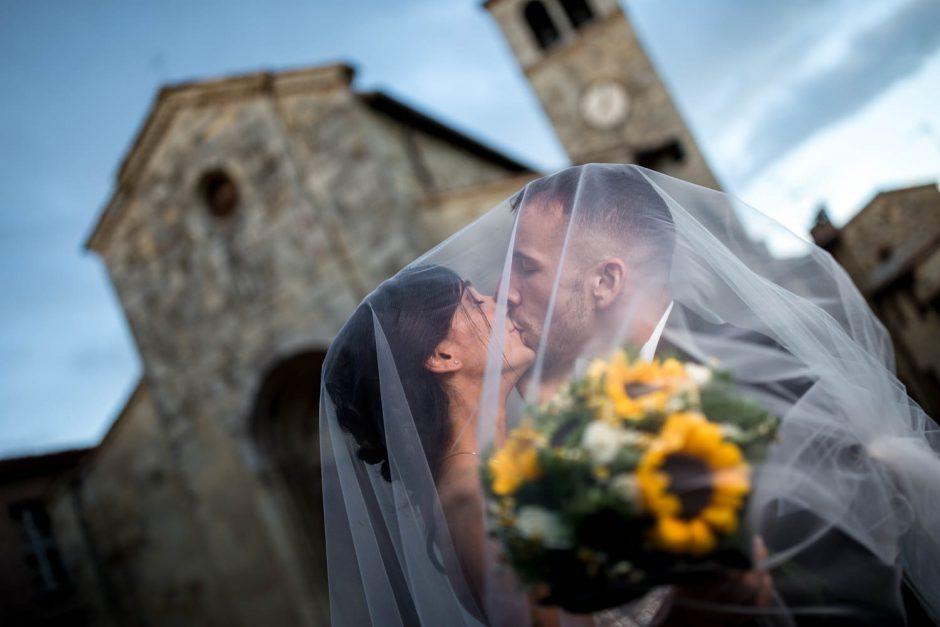 Kaip puikiai atrodyti vestuvių nuotraukose? (fotografo patarimai)