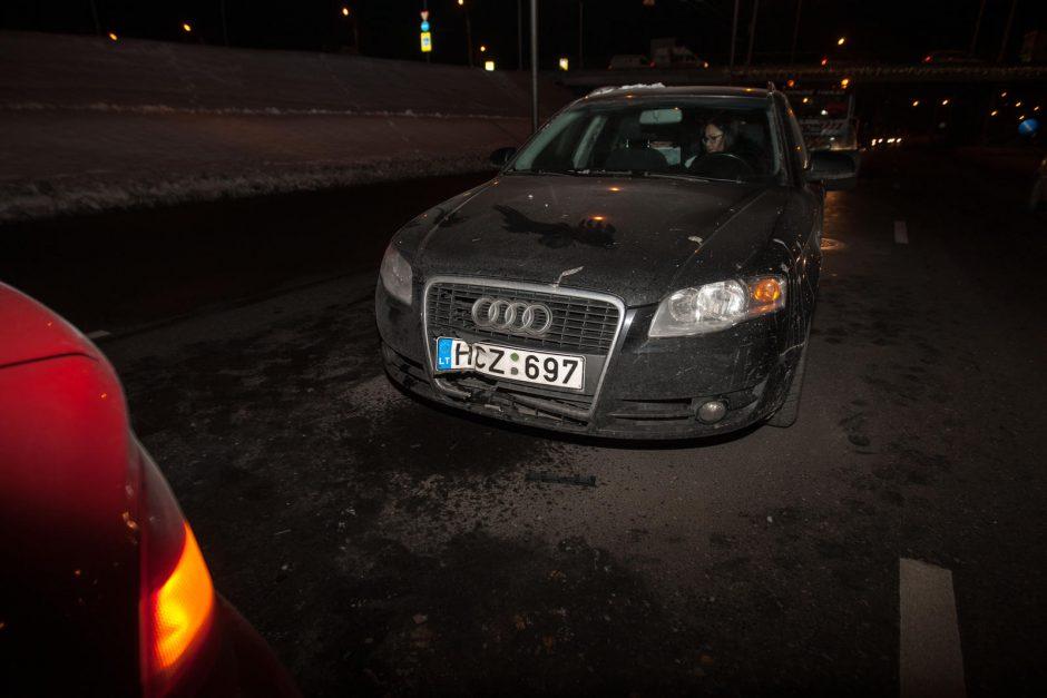 Nuokalnės gatvėje susidūrė keturi automobiliai