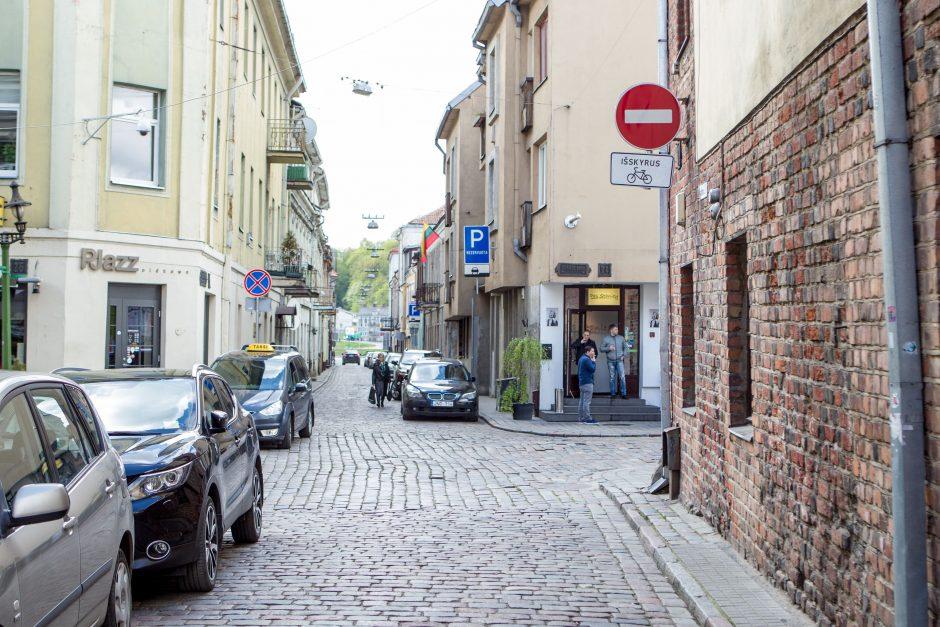 Kaunietis: senamiestyje vairuotojams nusispjaut ant kelio ženklų