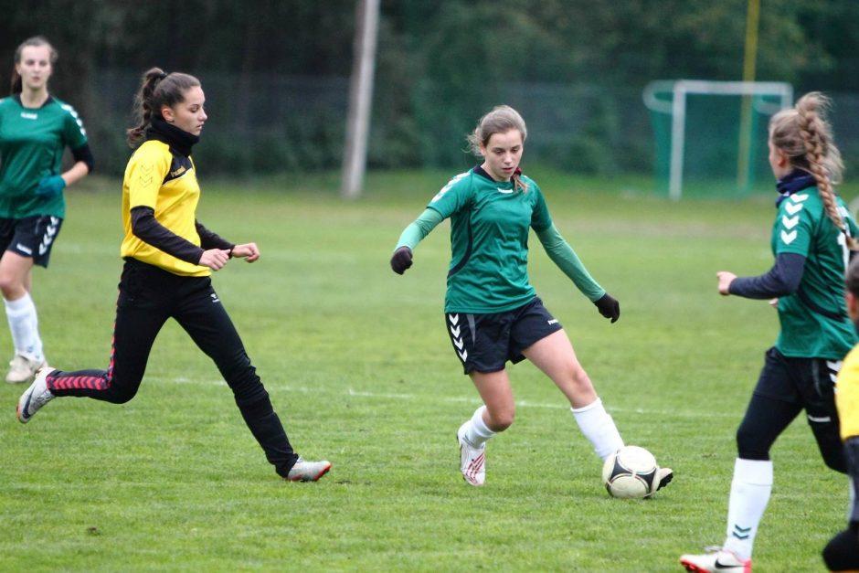 """Lietuvos moterų futbolo A lygoje – """"Žalgirio"""" ir """"Gintra-Universitetas"""" lygiosios"""