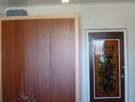 Skelbimas - 3 atskiri kambariai, gali būti su gyvūnais, viskas yra