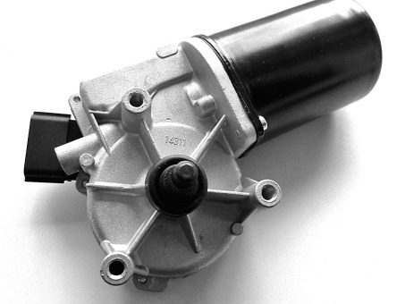 Skelbimas - Nissan Almera Tino  priekinių valytuvų varikliukas  28815-BU000