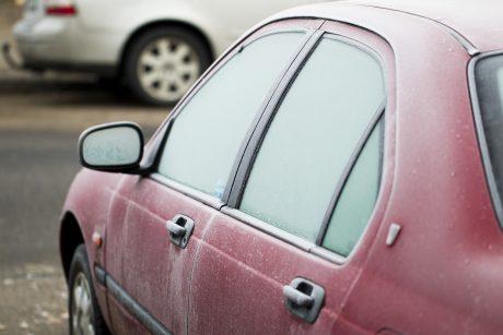 Drėgmė automobilio salone: ką būtina žinoti?