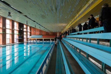 Pradedamas griauti prieš 36 metus statytas Lazdynų baseinas