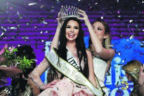 """Gražuolė, parvežusi į Lietuvą konkurso """"Mis Europa"""" karūną"""