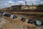 Florencijos senamiestyje atsivėrė milžiniška smegduobė
