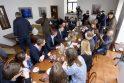 Premjeras sukvietė žurnalistus į šimtadienio pusryčius