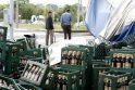 Uostamiestyje ant gatvės pasipylė alus