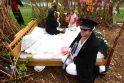 """Nemuno salos parką užvaldė """"žalieji"""" menininkai"""