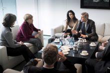 A. Merkel su G. Clooney diskutavo apie pagalbą pabėgėliams