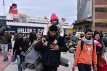 Graikijos ambasadorius nusivylė vangiu ES atsaku perkeliant pabėgėlius