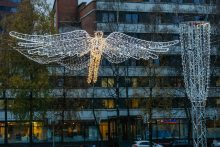 Atgimimo aikštėje nusileido Kalėdų angelas