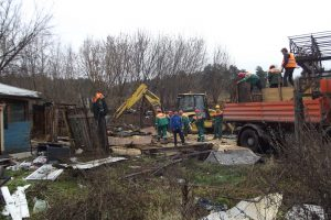 Vilniaus romų tabore nugriautas dar vienas pastatas