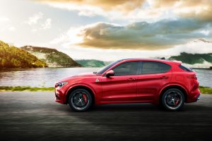 """""""Alfa Romeo"""" pristatė pirmą savo istorijoje visureigį """"Stelvio"""""""