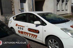 Sukčiai pas auką atskubėjo taksi