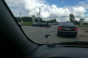 Ateities plente išsitaškė du BMW