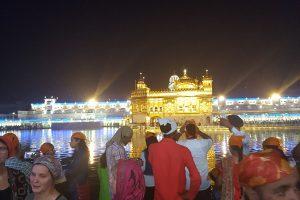 Indijos magija: vaikystės skonis ir vyšnios ant torto