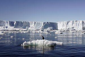Kodėl apie Antarktidoje atsiveriančius ežerus tylėta dešimtmetį?