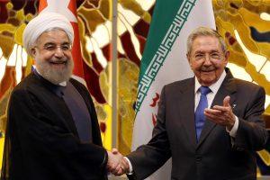 Irano prezidentas atvyko į Kubą susitikti su broliais Castro