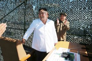 D. Trumpui gali tekti Šiaurės Korėjos vadą vaišinti mėsainiais?