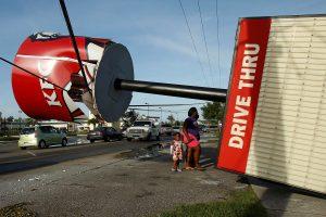 """Uragano """"Matthew"""" aukų Floridoje – keturios, Haityje – per 400"""
