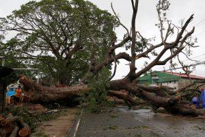 Filipinuose praūžęs taifūnas nusinešė mažiausiai penkias gyvybes