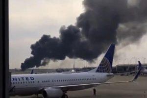 Čikagoje mėgindamas pakilti užsidegė lėktuvas: sužeisti 20 žmonių