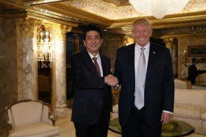 Japonijos premjeras: D. Trumpu labai pasitikiu