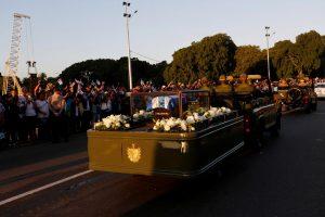F. Castro po mirties pakartos 1959 metų revoliucijos pergalės žygį