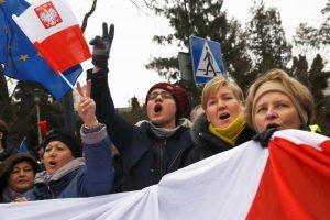 Lenkijoje toliau vyksta masiniai protestai