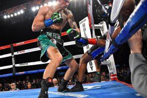 Amerikos bokso legenda karjerą baigė skrydžiu iš ringo
