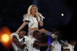 Muzikos festivalyje besilaukiančią Beyonce keičia Lady Gaga