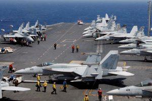 JAV demonstruoja galią: dislokuojami karo laivai Korėjos pusiasalyje