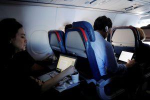 Europiečiai į JAV nešiojamus kompiuterius gabenti galės