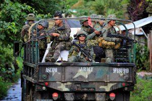 Filipinų aviacija per klaidą pražudė 10 savo karių