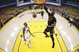 """""""Golden State Warriors"""" laimėjo ir antrąsias NBA finalo serijos rungtynes"""