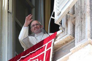 Popiežius Pranciškus siunčia sveikinimus lietuvių tautai
