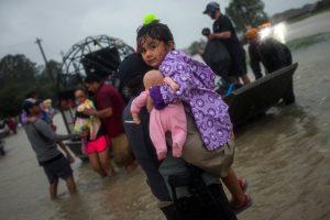 """Uragano """"Harvey"""" padaryta žala gali viršyti 40 mlrd. dolerių"""