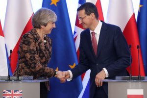 Didžioji Britanija ir Lenkija pasirašė gynybos sutartį